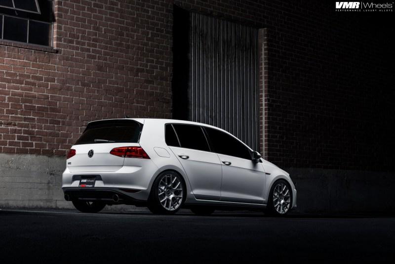 VW MK7 GTI White - VMR FlowForm V810 Gunmetal 18x85et45-img (2)