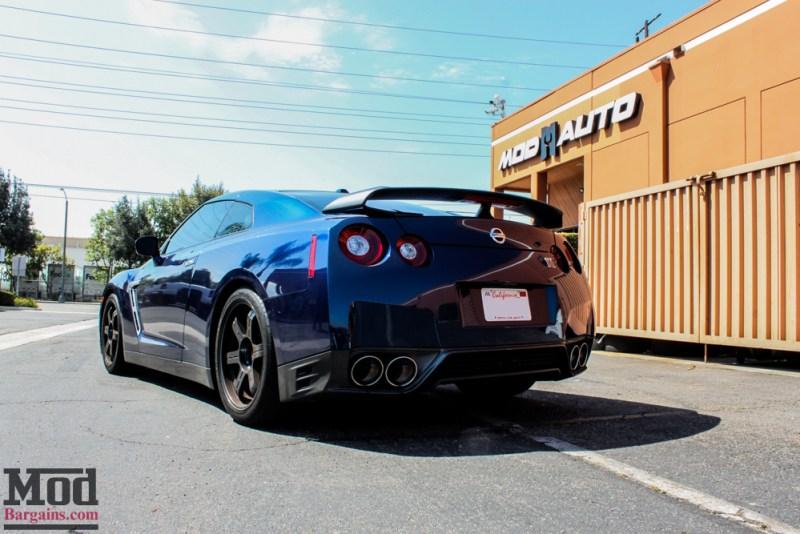 Nissan_R35_GT-R_Blue_Borla_Midsection_-11