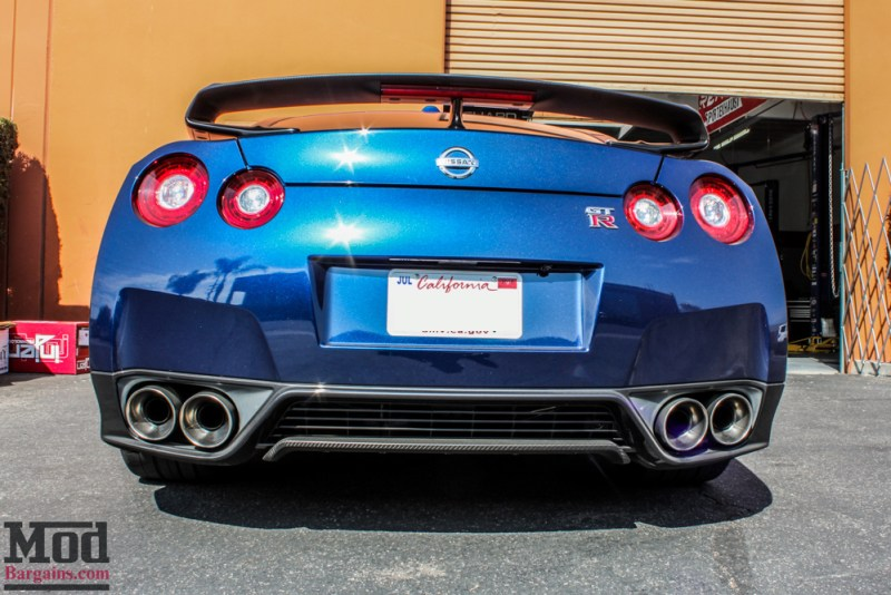 Nissan_R35_GT-R_Blue_Borla_Midsection_-4