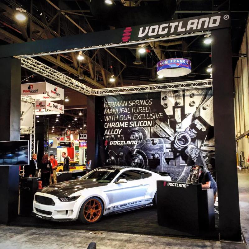 Vogtland_SEMA_2015-Booth