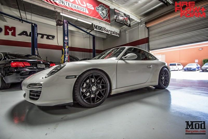 Porsche Carrera 997.2 on HRE FF01 in Tarmac