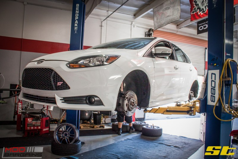 Ford Focus ST 14 CX FMIC ST X Coilovers Enkei RPF-1 Steeda Rear Sway Milltek nonres (54)