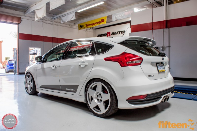 Ford_Focus_ST_2016_Mountune_MP275_Fifteen52_Tarmac_Silver (10)