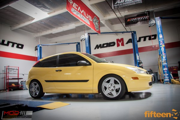 fifteen52 Tarmac 17×8 on Turbo Focus ZX3 with Cosworth Goodies @ ModAuto