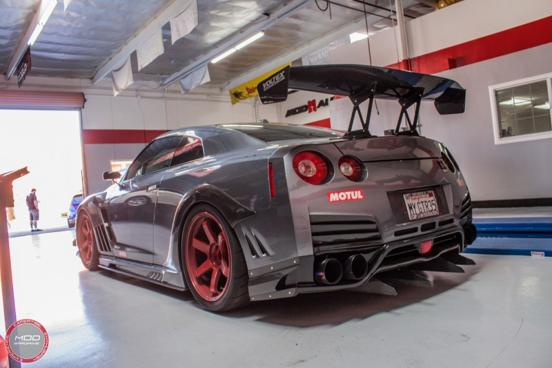 Nissan_R35_GT-R_Motul_widebody_JPL_Shirt_Guy (16)