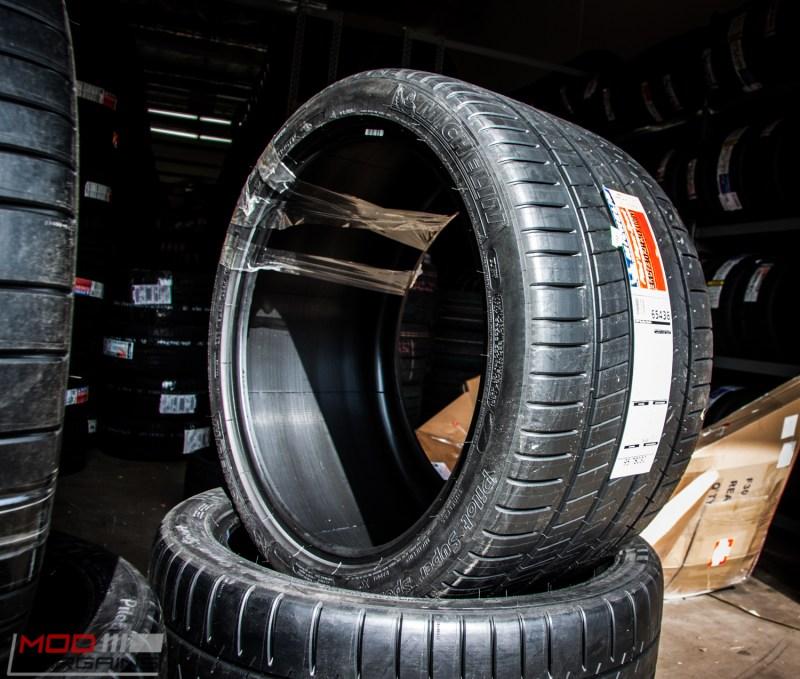 Michelin_Pilot_SuperSport_335_20_instock (5)