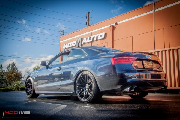 Video: AWE-Equipped Audi B8 S5 gets Forgestar F14s at ModAuto