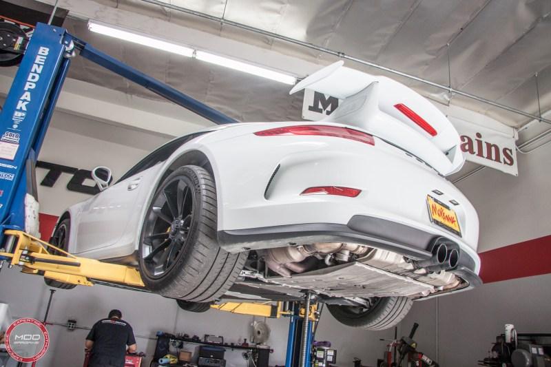 Porsche_911_GT3_991_Sharkwerkz_exh-6