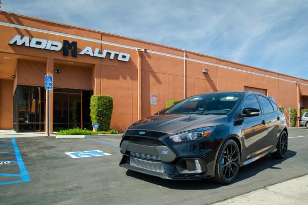 Quick Snap: Ford Focus RS gets Seibon CF Hood & FMIC @ ModAuto