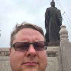 Admiral Statue Selfie