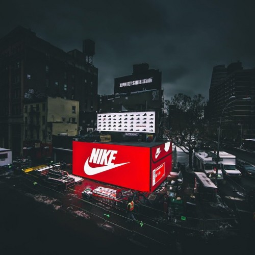 NIKE POP UP STORE