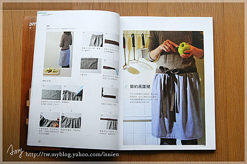 這款圍裙是以一般出門可以穿的裙子來發想,抓皺是重點,大蝴蝶結也是重點。