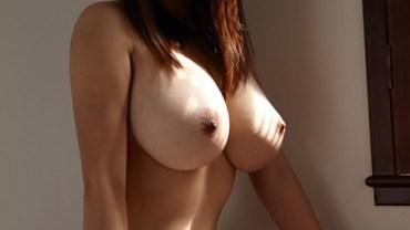 chinese-naked-model-girl-larisa-show-big-boobs-www-ohfree-net-016