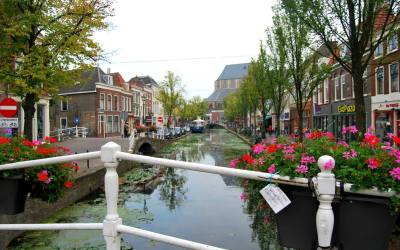 A Walk through Holland's Towns