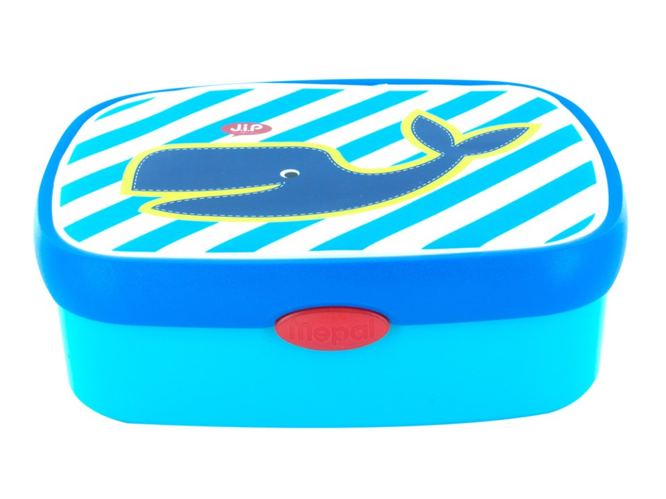 Lunchbox for boys - traveling with kids