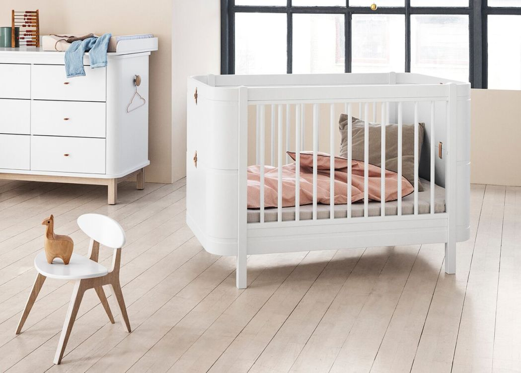 Oliver Furniture Wood Mini+: Transformable Bed for Your Little One ...