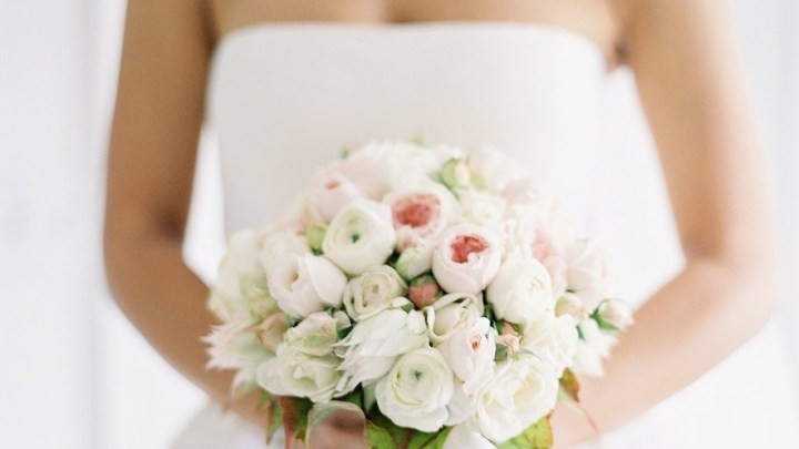 Classic Dress White Rose Bouquet
