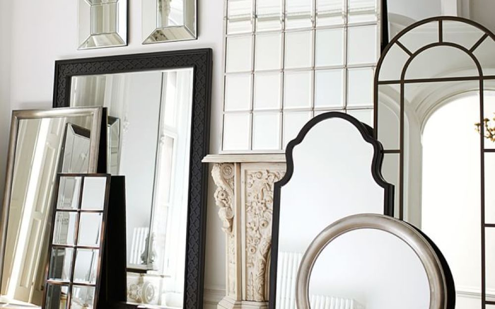 Round Up Five Mirrors We Can T Stop Gazing At Pottery Barn
