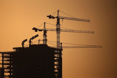 Dubai developers keep building despite weak market and echoes of 2008