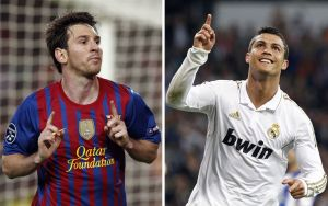"""EPA02 BARCELONA/MADRID (ESPAÑA), 12/4/2012.- Combo de fotografías del delantero argentino del FC Barcelona Lionel """"Leo"""" Messi (i) (fotografía tomada el 3 de abril de 2012 en Barcelona) y del delantero portugués Cristiano Ronaldo (d) (fechada el 24 de marzo de 2012 en Madrid) celebrando sendos goles. Messi y Ronaldo protagonizan una lucha por el 'pichichi' (mayor goleador) de la Liga. EFE/Andreu Dalmau/Ballesteros"""