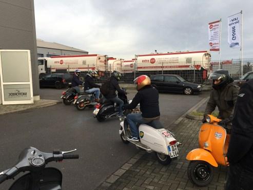 Flashmob Open Day Nummer 1 – Düsseldorf erobert das Scooter Center Köln