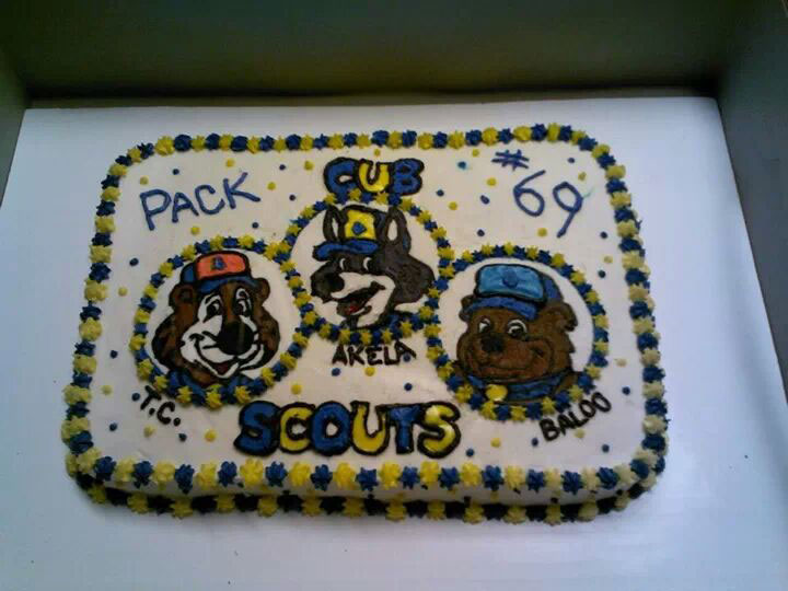 5 Cub Character Cake