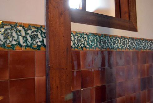 徳蔵 壁タイル