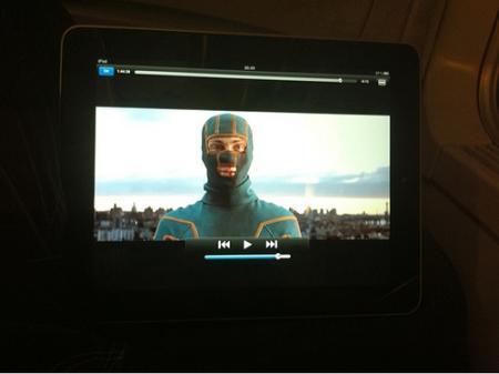 Kick-ass le film c'est aussi délirant et excellent que le comics ! :D Absolument à voir !! (et à lire ;) )