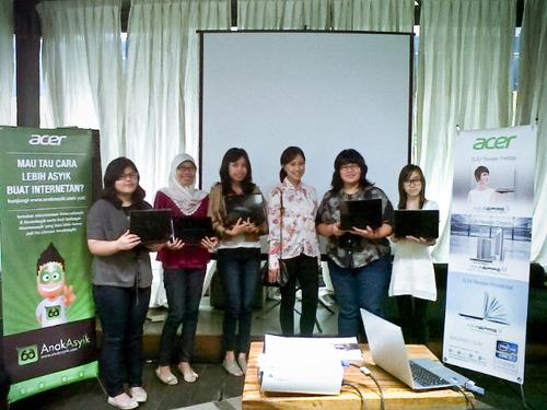blog sittakarina - 5 pemenang kontes #nulisasyik acer