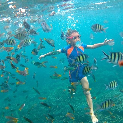blog sittakarina - Serunya Ajak Anak Snorkeling di Pulau Pahawang (1)