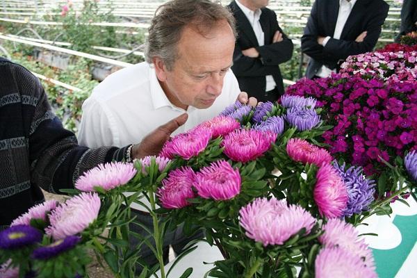 Dutch Agriculture Minister tours Oserian farm in Naivasha via hortinews.co.ke