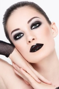 Try these spooky Halloween beauty looks | The Jewellery Channel