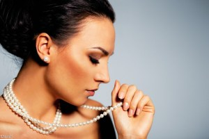 Go classy with pearls this season - The Jewellery Channel