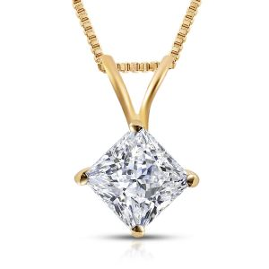 Diamond Solitaire Pendant with Chain in 18K Gold