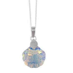 Add a touch of winter style with beautiful pendants