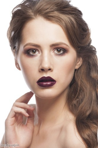 Make a statement with strong lipstick