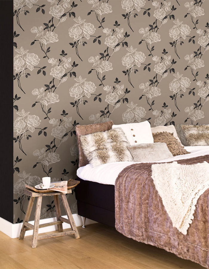 Playful Grey Bedroom Feature Wall Idea - R1573