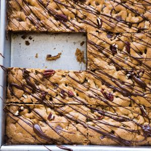 Chocolate Chip-Pecan Bars
