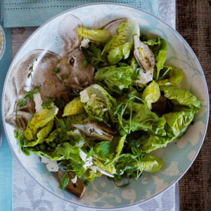 Spring Salad with artichokes and peas