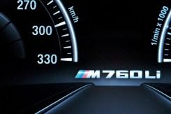 BMW 760 Li - 13