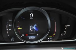 Essai Volvo V40 Cross Country Stationnemment Automatique Manoeuvres