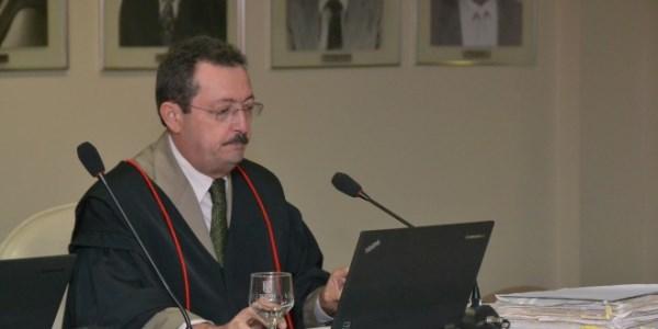 Gilberto Jales, relator do processo
