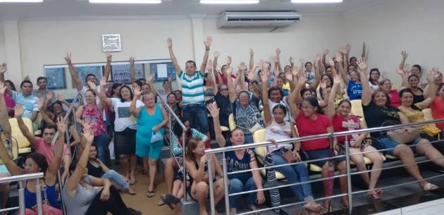 Professores e demais trabalahdores em educaçao decidem entrar em greve