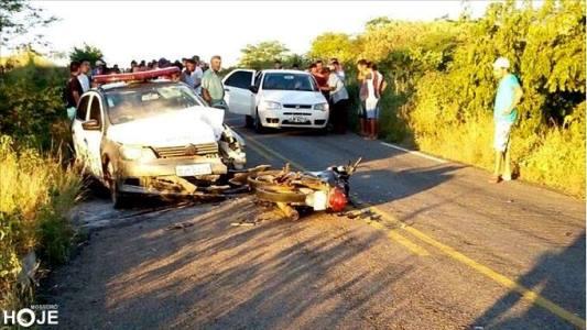 Viatura ficou bastante danificada e foi recolhida (Foto: Mossoró Hoje)