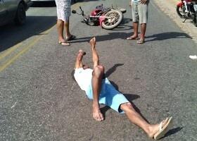 Condutor da moto teve vários ferimentos