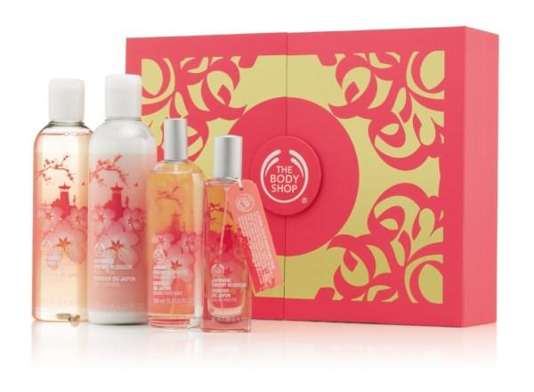 1022380 Japanese Cherry Blossom Medium Gift Box