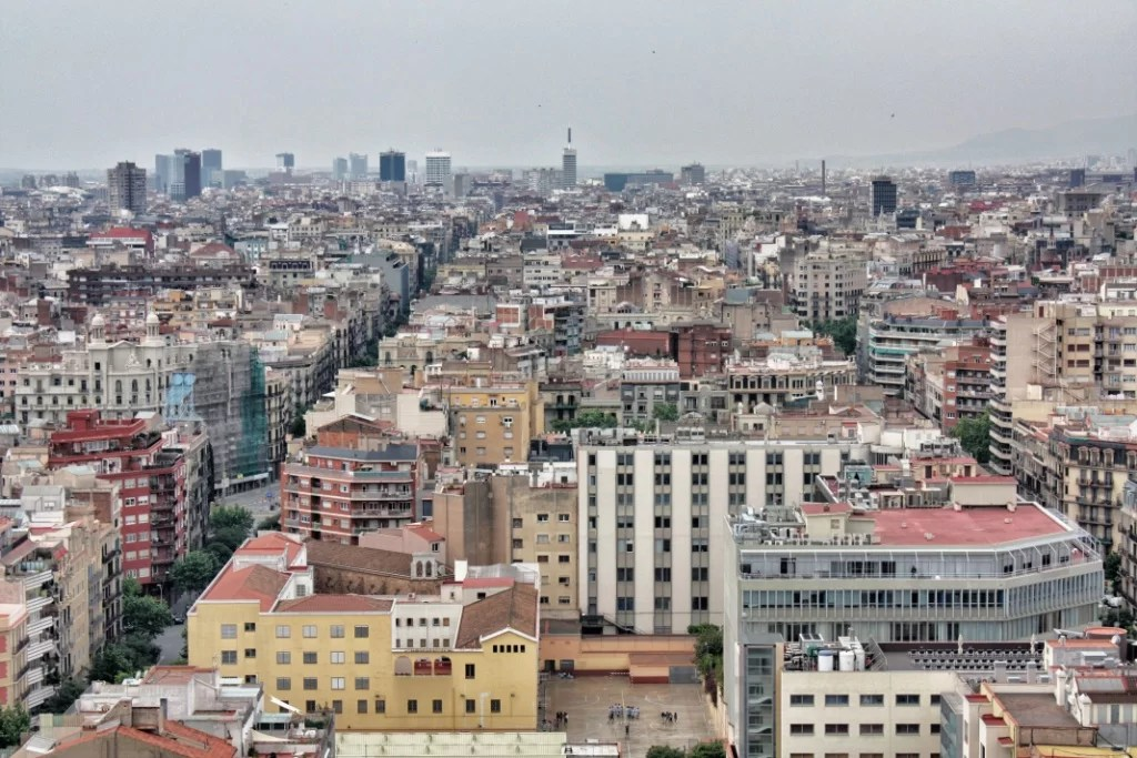 Cronicas de barcelona 5 sagrada familia recorrido y for Hoteles en barcelona centro para familias