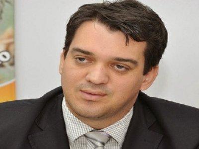 """Apesar da crise, Tárcio garante que não faltará dinheiro para pagar servidor: """"É condição pétria"""""""