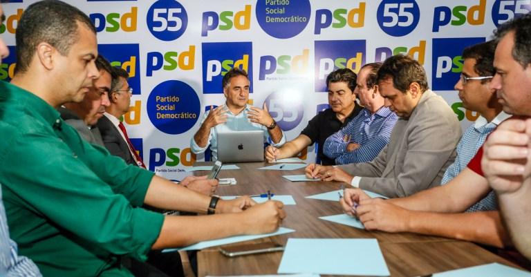 11-08-16-Reuniao-com-12-Partidos