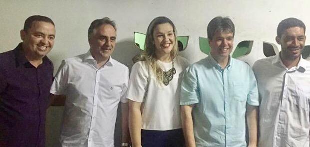 Sintonia: Ao lado de tucanos, Cartaxo participa de festa em cidade do interior